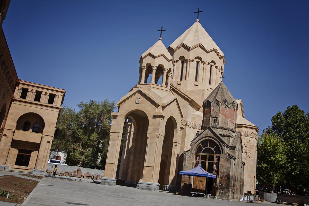 Kosciol i kaplica armenia