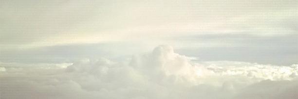 chmury_widok_z_samolotu